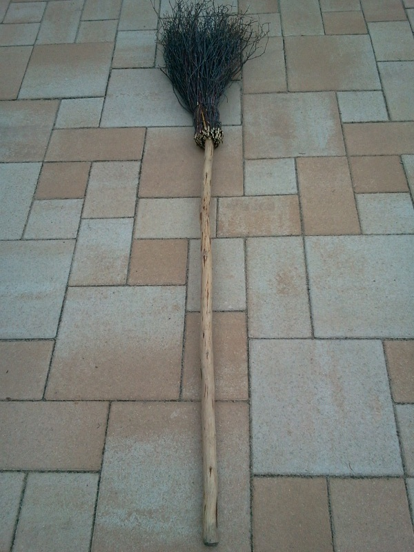 Brunch besom (with handle) (1)  - 1